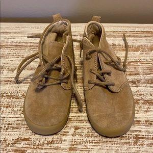Gap boys shoes 10